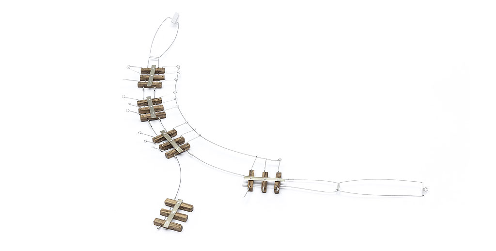 Collar Fragmentados II plata 925, alpaca, madera zebrano. Construcción.